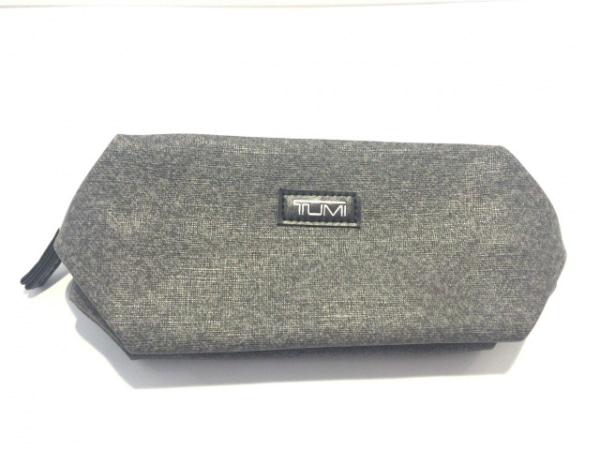 TUMI(トゥミ) ポーチ美品  グレー×黒 for DELTA PVC(塩化ビニール)×レザー