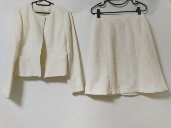 Tiaclasse(ティアクラッセ) スカートスーツ サイズ11 M レディース美品  アイボリー