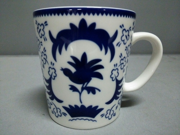 ARABIA(アラビア) マグカップ新品同様  白×ダークネイビー 鳥/フラワー/She-Fo 陶器