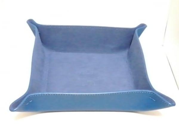 MCM(エムシーエム) 小物入れ美品  ブルー トレイ/ノベルティ レザー
