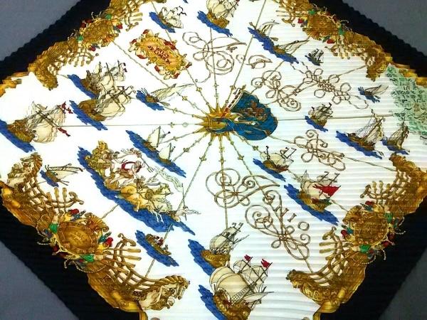 HERMES(エルメス) スカーフ カレプリセ 白×ネイビー×マルチ VOILES DE LUMIERE