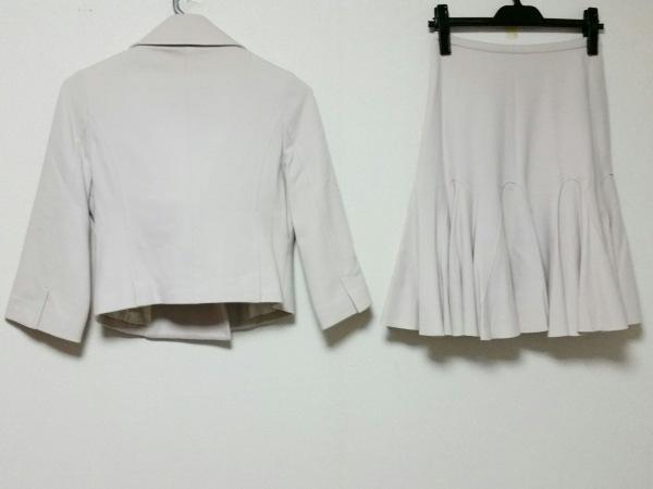 プリマアトリーチェ スカートスーツ サイズ36 S レディース美品  ベージュ