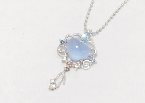 テイクアップ ネックレス美品  K10×カラーストーン ライトブルー Disney/シンデレラ