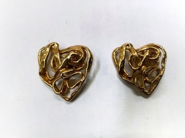YvesSaintLaurent(イヴサンローラン) カフス美品  金属素材 ゴールド ハート