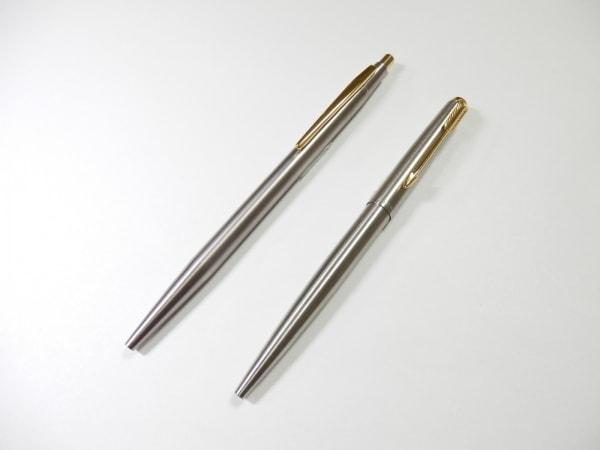 パーカー ボールペン美品  シルバー×ゴールド 2本セット/インクなし 金属素材