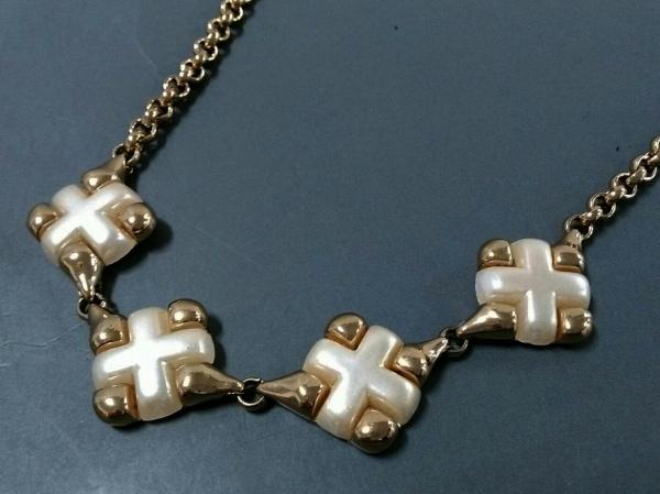 AGATHA(アガタ) ネックレス 金属素材×プラスチック ゴールド×アイボリー