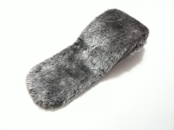 Moon Bat Fur(ムーンバットファー) マフラー ダークグレー アクリル