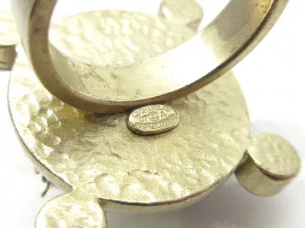 CHANEL(シャネル) リング 金属素材×コットン×ラインストーン ゴールド×黒×マルチ