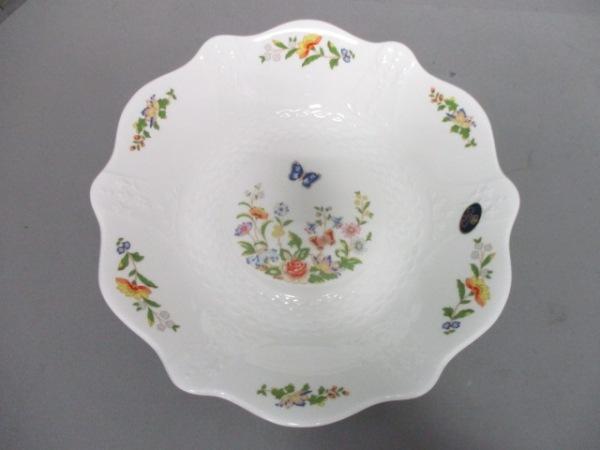 Aynsley(エインズレイ) プレート新品同様  白×ライトグリーン×マルチ 花柄 陶器