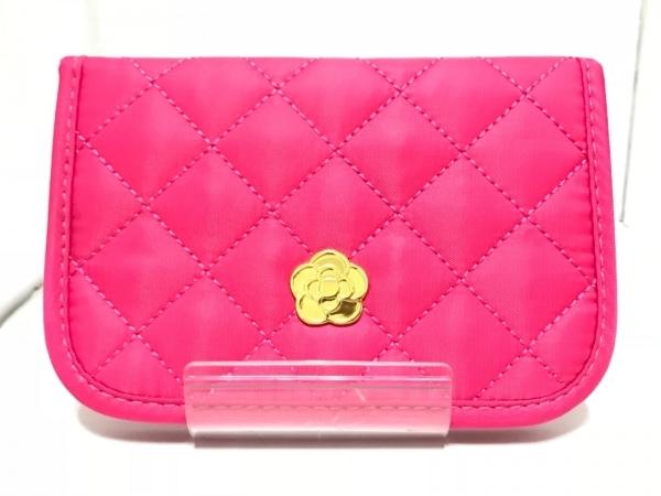 CLATHAS(クレイサス) 2つ折り財布美品  ピンク キルティング ナイロン
