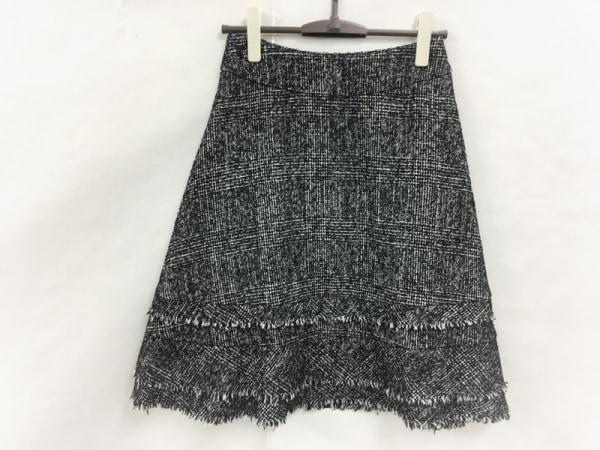 TO BE CHIC(トゥービーシック) スカート サイズ38 M レディース美品  白×黒