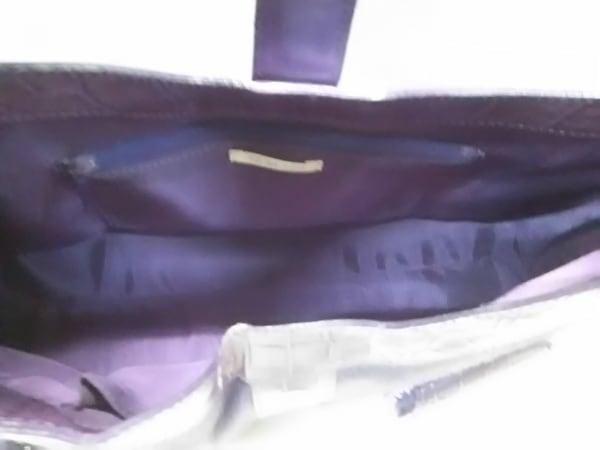 TO BE CHIC(トゥービーシック) ハンドバッグ パープル 型押し加工/フェイクパール