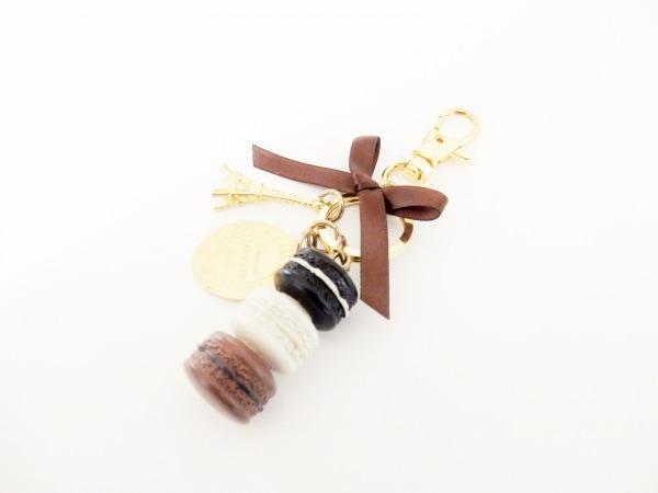ラデュレ キーホルダー(チャーム)美品  ゴールド×黒×マルチ エッフェル塔/マカロン