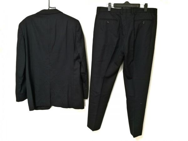コムサメン シングルスーツ メンズ 黒×ダークグレー ストライプ/肩パッド