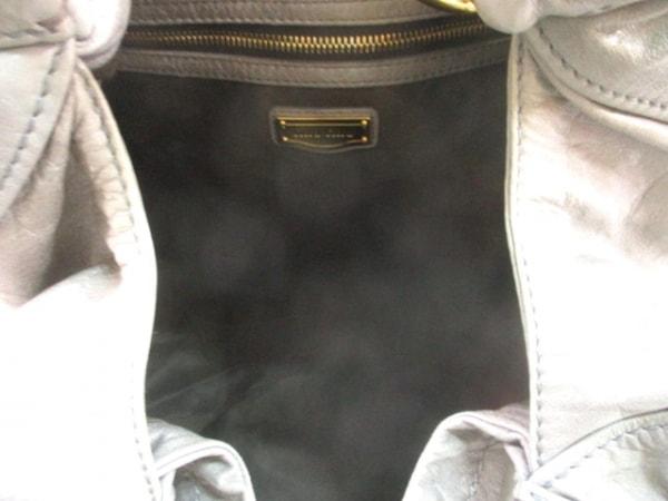 miumiu(ミュウミュウ) ショルダーバッグ - ダークグレー×ゴールド レザー×金属素材