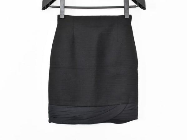 GIANNIVERSACE(ジャンニヴェルサーチ) スカート サイズ38 S レディース新品同様  黒