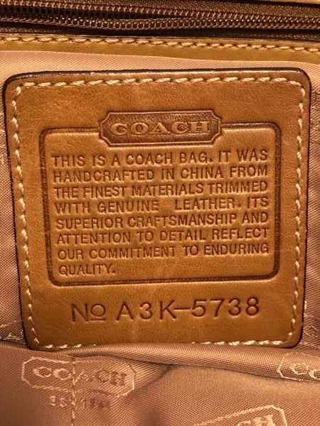 COACH(コーチ) ショルダーバッグ - 5738 黒×ライトブラウン キャンバス×レザー