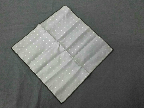 RICHMOND(リッチモンド) スカーフ美品  シルバー×白 ドット柄