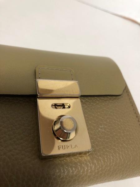 FURLA(フルラ) 財布 カーキ レザー