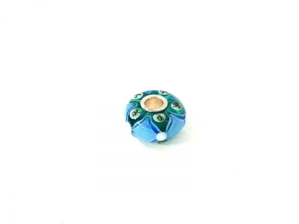 TROLLBEADS(トロールビーズ) ペンダントトップ美品  ガラス×シルバー ダイヤ柄