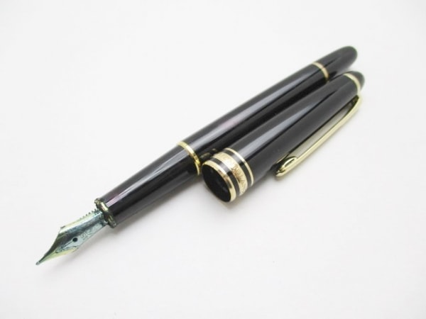 モンブラン 万年筆 マイスターシュティック 黒 インクなし/ネーム刻印/ペン先14K