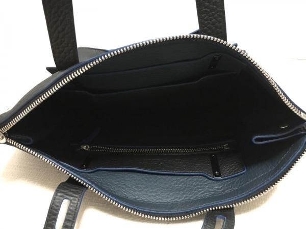 FURLA(フルラ) ショルダーバッグ美品  黒×ブルー レザー