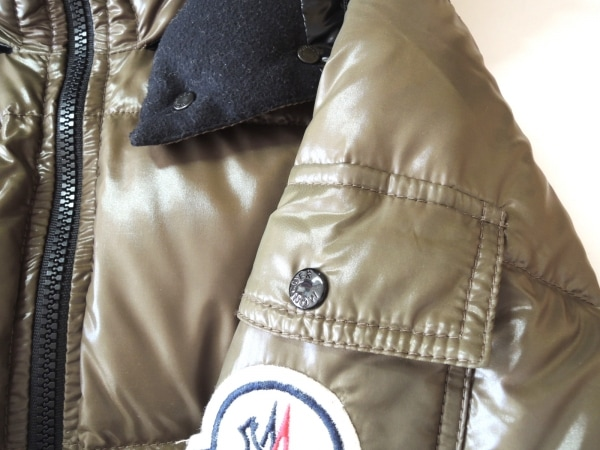 MONCLER(モンクレール) ダウンジャケット サイズ00 XS レディース美品  - カーキ 冬物