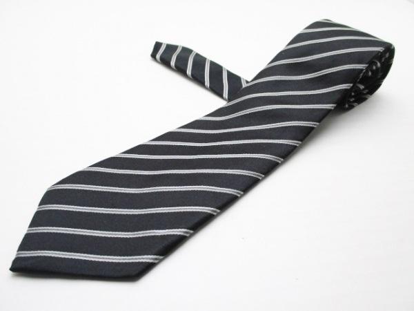 CARUSO(カルーソ) ネクタイ メンズ美品  黒×ライトグレー 斜めストライプ