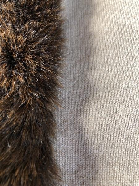 オータムカシミヤ セーター サイズS レディース ベージュ×ダークブラウン ポンチョ風