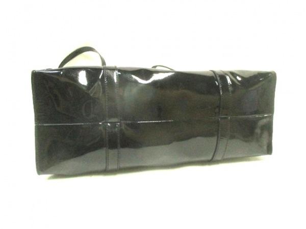 PRADA(プラダ) トートバッグ - 黒 エナメル(レザー)