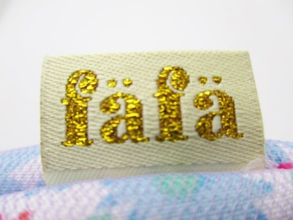 fafa(フェフェ) ポーチ新品同様  レッド×ライトブルー×マルチ フラワー 化学繊維