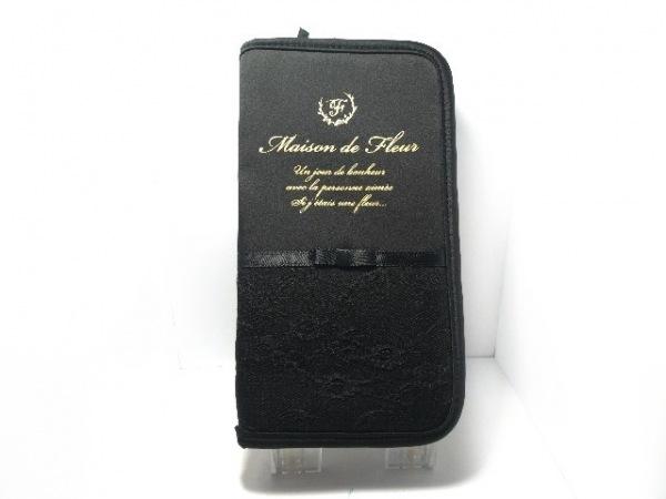 メゾンドフルール カードケース美品  黒×ゴールド リボン/レース/ラウンドファスナー