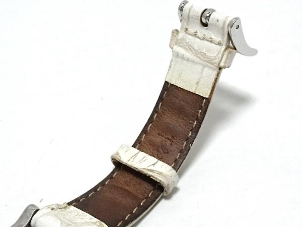 フォリフォリ 腕時計 - レディース ラインストーンベゼル/革ベルト/型押し加工 白