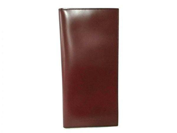 サルバトーレフェラガモ 小物入れ美品  - ボルドー パスポートケース/2003 レザー