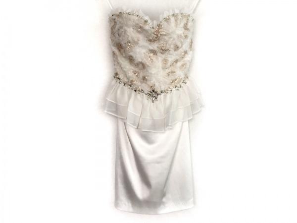 an(アン) ドレス レディース美品  白×ベージュ フェイクパール/ビジュー/フリル