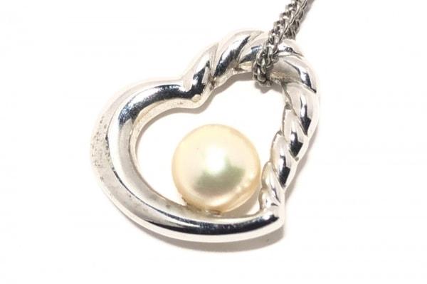 田崎真珠(タサキシンジュ) ネックレス 金属素材×パール シルバー×白 ハート