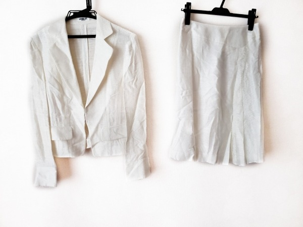 HIROKO BIS(ヒロコビス) スカートスーツ サイズ上9下11 レディース 白