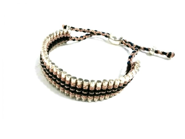 LINKS(リンクス) ブレスレット美品  化学繊維×シルバー ベージュ×ネイビー