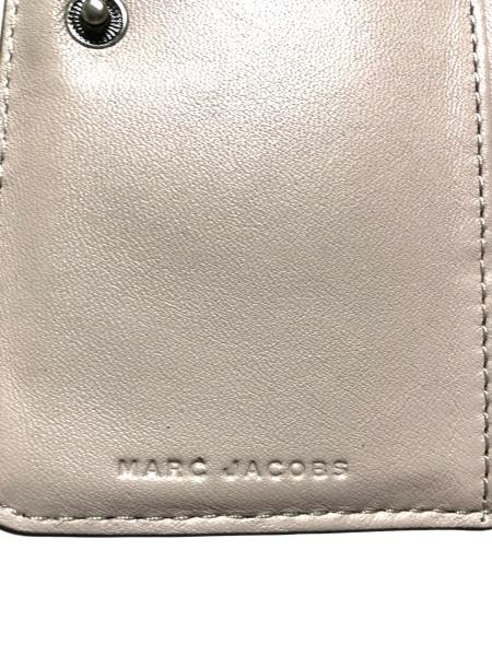 MARC JACOBS(マークジェイコブス) 2つ折り財布 M0012080 グレージュ レザー