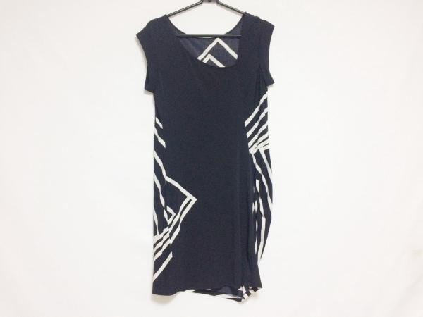ビーシービージーマックスアズリア ワンピース サイズXS レディース美品  黒×白