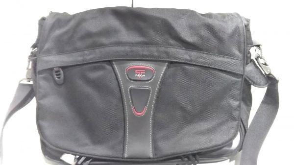 TUMI(トゥミ) ショルダーバッグ美品  5508D 黒 TECH TUMIナイロン