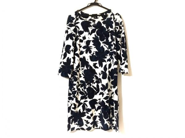 DoCLASSE(ドゥクラッセ) ワンピース サイズXL レディース美品  白×ネイビー 花柄