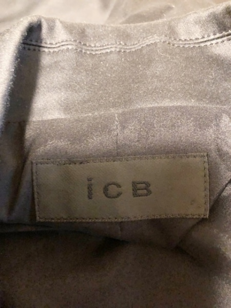 ICB(アイシービー) スカートスーツ サイズ9 M レディース美品  黒 ジップアップ