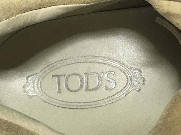 TOD'S(トッズ) スニーカー 8 メンズ ベージュ スエード