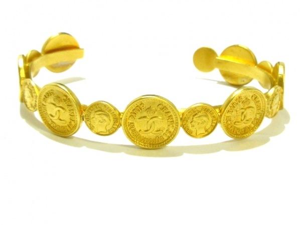 CHANEL(シャネル) バングル 金属素材 ゴールド コイン