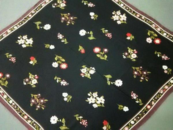 Kate spade(ケイトスペード) スカーフ美品  黒×ボルドー×マルチ 花柄/タッセル