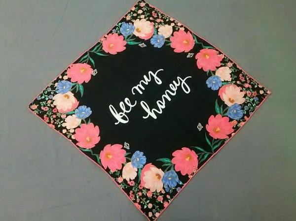 Kate spade(ケイトスペード) スカーフ美品  黒×ピンク×マルチ