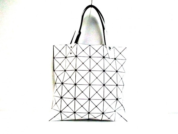 バオバオイッセイミヤケ トートバッグ美品  ルーセントフロスト 白×黒