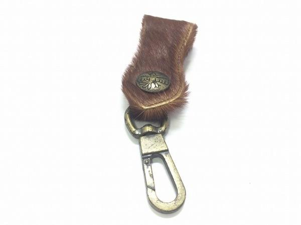 マッシュマニア キーホルダー(チャーム) ブラウン×ゴールド ハラコ×金属素材