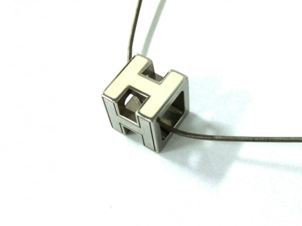 HERMES(エルメス) ネックレス カージュドアッシュ 金属素材 アイボリー×シルバー
